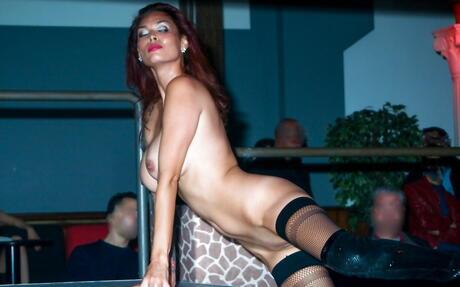 Striptease Asian Pics