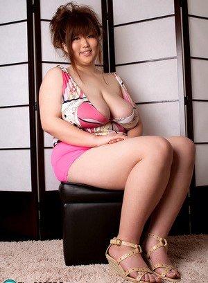 BBW Asian Pics