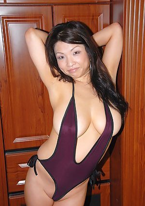 MILF Asian Pics