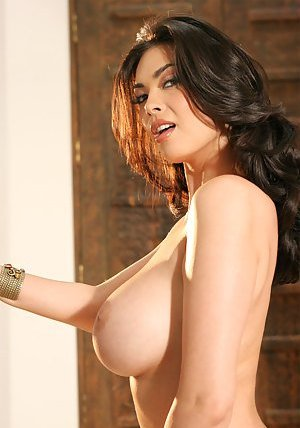 Big Boobs Asian Pics