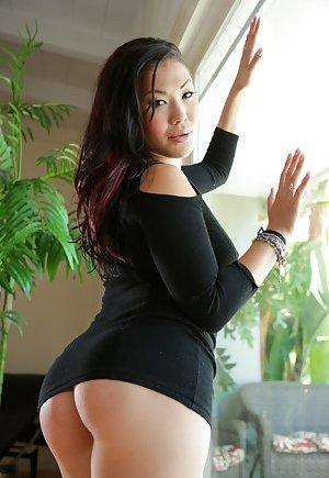Booty Asian Pics